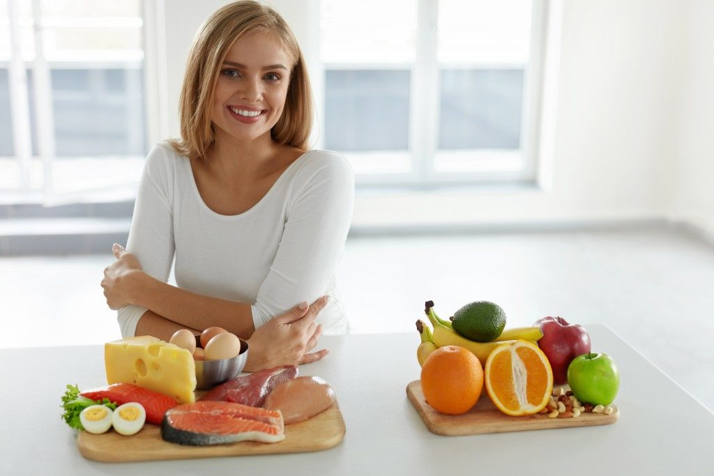 a woman and healthy food