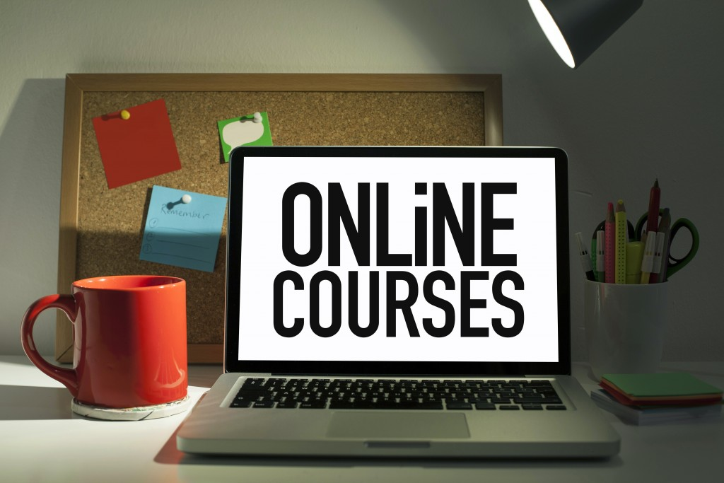 Online Courses on a Laptop Screen