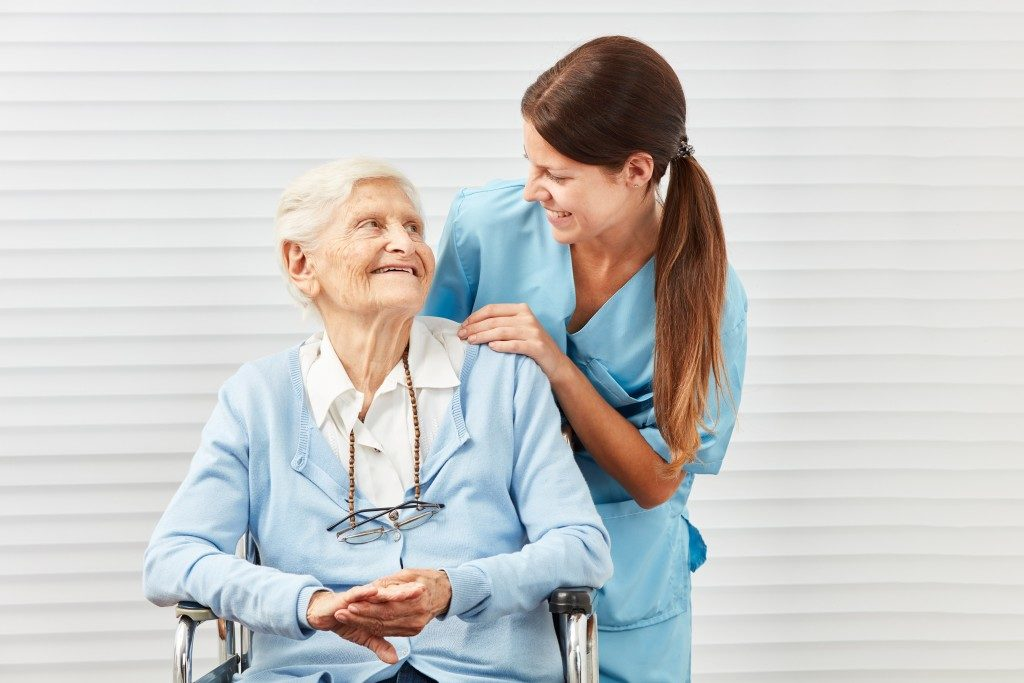 Physiotherapy and patient Talking