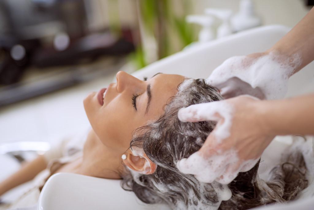 hair shampooing